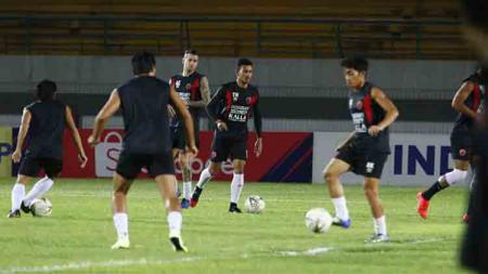 Skuat Barito Putera akhirnya merilis empat pemain asing di bursa transfer Liga 1 2020. Satu dari empat pemain tersebut adalah striker berpengalaman di Liga Indonesia, Aleksandar Rakic. - INDOSPORT