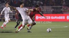 Indosport - Hasil pertandingan babak pertama final SEA Games 2019 antara Timnas Indonesia vs Vietnam pada Selasa (10/12/19) malam WIB, di mana Garuda tertinggal sementara.