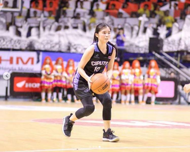 Celine Soegiardjo, pebasket cantik dari SMA Ciputra. Copyright: Instagram Celine Soegiardjo