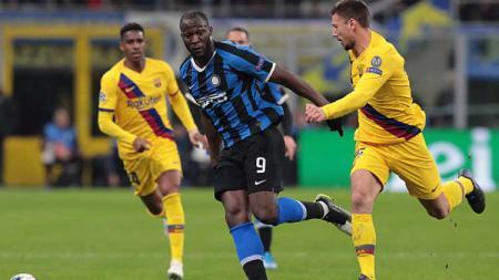 Mantan pemain AC Milan, Massimo Ambrosini, yakin Inter bisa berjaya di Liga Europa setelah terbuang dari Liga Champions beberapa waktu lalu. - INDOSPORT