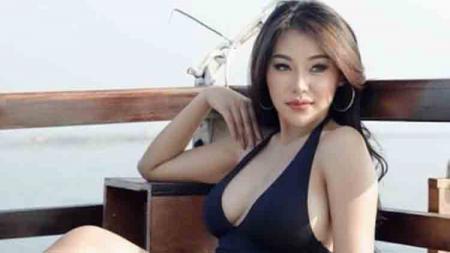 Model majalah dewasa sekaligus Female DJ Kis Ferano. - INDOSPORT