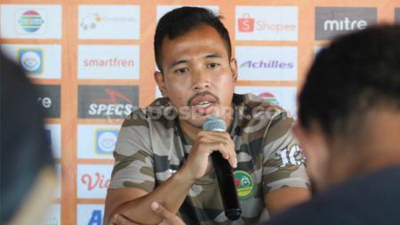Dua pemain klub Liga 1 Tira Persikabo, Didik Wahyu dan Guntur Triaji mendapat berkah di tengah pandemi corona. - INDOSPORT