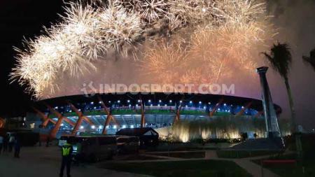 Closing Ceremenoy SEA Games 2019 di Filipina diakhiri dengan pesta kembang api yang spektakuler. - INDOSPORT