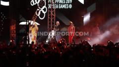 Indosport - Penampilan Black Eyed Peas saat closing ceremony SEA Games 2019.