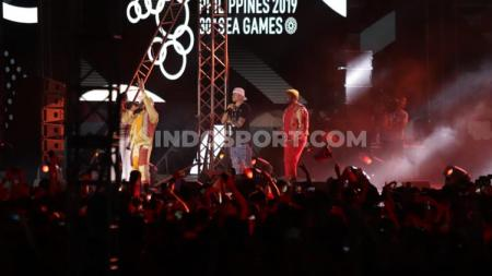 Penampilan Black Eyed Peas saat closing ceremony SEA Games 2019. - INDOSPORT