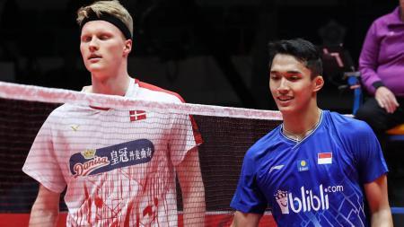 Meskipun kalah di final Indonesia Masters 2020, namun siapa sangka jika backhand yang dilakukan oleh Anders Antonsen sempat membuat Jonatan Christie mati kutu? - INDOSPORT