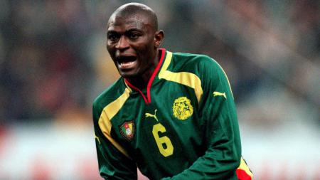 Pierre Njanka, mantan pemain Timnas Kamerun yang pernah merumput di Indonesia - INDOSPORT