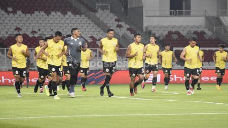 Langkah kerja sama Persija Jakarta dengan klub LaLiga Spanyol, Deportivo Alaves, mendapatkan atensi dari media asal negara tetangga. - INDOSPORT