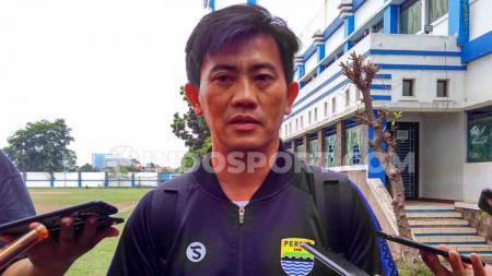 Pelatih fisik klub Liga 1 Persib, Yaya Sunarya di Mes Persib, Jalan Ahmad Yani, Kota Bandung. - INDOSPORT