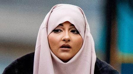 Kabar mengejutkan datang dari mantan pacar pemain klub Liga Inggris Liverpool, Sheyi Ojo, yang terbukti bersalah telah ikut  kegiatan grup radikal ISIS. - INDOSPORT