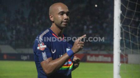 Dua pemain asing PSIS mengaku kecewa karena terpaksa absen melawan Bhayangkara FC di Liga 1 akibat akumulasi kartu. - INDOSPORT