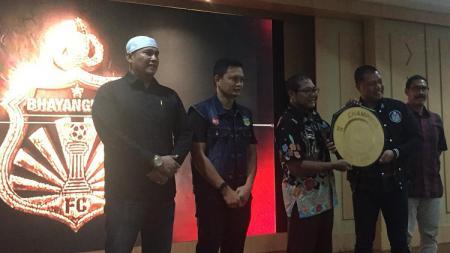 Manajemen Bhayangkara FC mengadakan syukuran atas prestasi yang diraih tiga tim akademi di kompetisi kelompok umur sepanjang 2019. - INDOSPORT