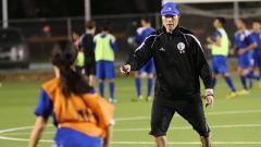Indosport - Berikut profil singkat dari pelatih asal Korea Selatan Kim Sang-hoon yang tertarik untuk menangani peserta Liga 2 2020 Sriwijaya FC.