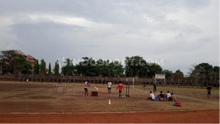 Potret sudut Stadion Ngurah Rai, Denpasar, yang dipersiapkan menjadi markas kedua Bali United di Liga 1. Foto: Nofik Lukman Hakim - INDOSPORT