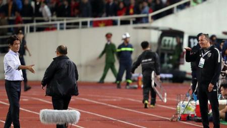 Pelatih Vietnam, Park Hang-seo, merasa dihina oleh pelatih kiper Thailand, Sasa Todic. - INDOSPORT