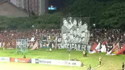 The Maczman patah hati hingga membuat koreografi bertuliskan 'mission failed' di laga kandang terakhir PSM Makassar menghadapi PSS Sleman, Minggu (15/12/19)