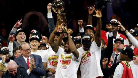 Toronto Raptors melakukan tes virus Corona kepada semua pemain. Hal itu dilakukan karena Toronto Raptors sempat bertanding melawan Utah Jazz. - INDOSPORT