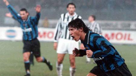 Apa kabar Ivan Zamorano, salah seorang legenda Inter Milan yang berhasil menciptakan rekor di laga El Clasico antara Barcelona vs Real Madrid. - INDOSPORT