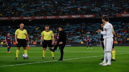 Marc Marquez hadir dalam pertandingan Barcelona vs Real Madrid, Kamis (19/12/19). - INDOSPORT