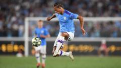 Indosport - Eks pemain klub Liga Inggris Manchester City, Danny Mills, menyarankan pelatih Liverpool, Jurgen Klopp, untuk membajak Leroy Sane untuk memperkuat timnya.