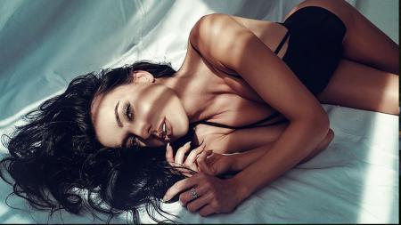 Kekasih Johann Zarco, Veronica Thielova. - INDOSPORT