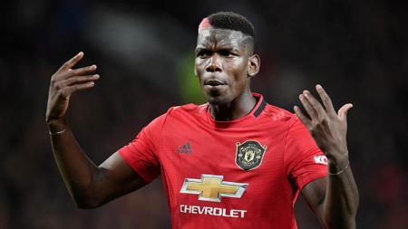 Gelandang Manchester United, Paul Pogba, diperkirakan bakal menjadi superstar jika dirinya bersedia meninggalkan Old Trafford untuk gabung Paris Saint-Germain. - INDOSPORT
