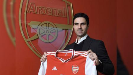 'Kisah seorang yang pergi untuk kembali', mungkin itu judul yang tepat usai Mikel Arteta resmi menjadi pelatih Arsenal pada Jumat (20/12/19) kemarin malam. - INDOSPORT