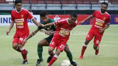 Indosport - Milan pun menyebut jika striker jangkung milik Persebaya, David da Silva menjadi sosok yang mengancam hingga membuat Badak Lampung tumbang di laga terakhir Liga 1.