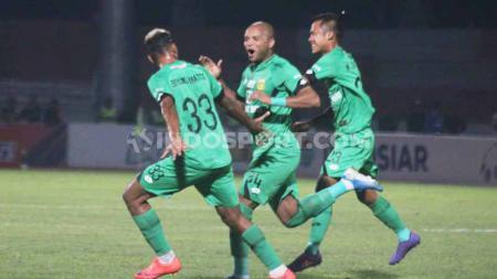 Selebrasi pemain Bhayangkara FC, Anderson Salles usai sukses mencetak gol ke gawang PSIS Semarang, Shopee Liga 1 di Stadion Madya Magelang, Sabtu (21/12/19). - INDOSPORT