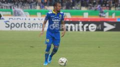 Indosport - Kapten tim sepak bola Persib Bandung, Supardi Nasir tak masalah seandainya pertandingan tandang Liga 1 2020 menghadapi Arema FC tanpa penonton.