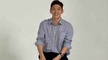 Pebulutangkis Korea idola para Badminton Lovers, Lee Yong-dae memang cocok jadi model. - INDOSPORT