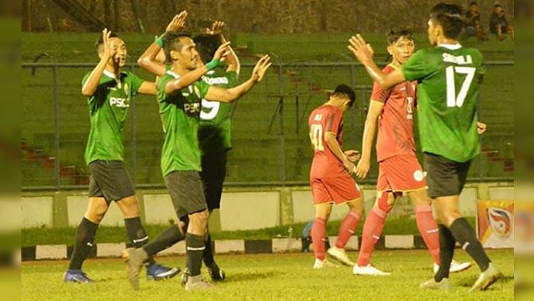 Situasi pertandingan PSKC Cimahi vs AS Abadi Tiga Naga di Liga 3 2019, Senin (23/12/19). Copyright: Instagram/@pskc_cimahi