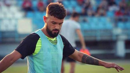 Dua calon pemain naturalisasi Timnas Indonesia, Joey Suk dan Matthew Steenvoorden harus tertunduk saat bermain di Liga Kroasia pada pekan ini. - INDOSPORT