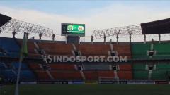 Indosport - Persebaya Surabaya sedang mencari kandang baru untuk kompetisi Liga 1 musim depan. Stadion GBT akan direnovasi untuk persiapan venue Piala Dunia U-20 2021.