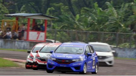 Perhelatan Honda Jazz Speed Challange (HJSC) 2019 dinilai penuh dengan intrik, setidaknya menurut tim Bank BJB Delta Garage Racing. - INDOSPORT