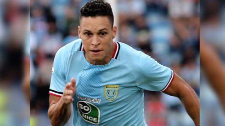 Winger asal Brasil, Rafael Gomes De Oliviera alias Rafinha, mengaku belum bisa memutuskan masa depannya di Liga 1 2020 bersama Persela Lamongan. - INDOSPORT