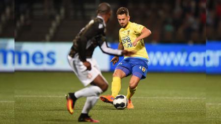 Pemain Eropa (Belanda) berdarah Indonesia Matthew Steenvoorden ternyata pernah setim dengan eks Manchester United (2015-17) Memphis Depay. - INDOSPORT