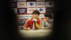 Indosport - Vietnam ingin membuat Timnas Indonesia segera mendepak Shin Tae-yong dari kursi pelatih kepala.
