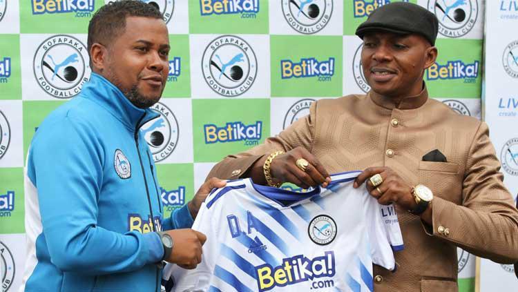 Pelatih asal Portugal Divaldo Alves saat dikenalkan klub Liga Primer Kenya Sofapaka FC. Copyright: www.pd.co.ke
