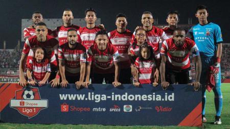 Sedikitnya ada 3 alasan bagaimana Madura United diprediksi bisa membungkam Persija Jakarta di semifinal Piala Gubernur Jatim 2020, Senin (17/02/20). - INDOSPORT