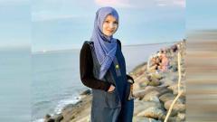 Indosport - Kecantikan wanita asal Aceh, Sri Wahyuni yang sukses memikat hati anak angkat Cristiano Ronaldo, Martunis.