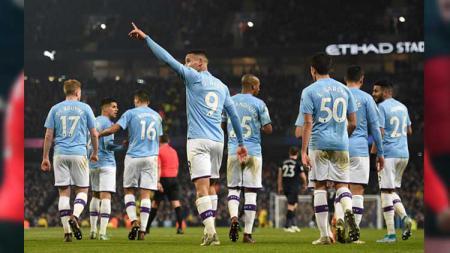 Gabriel Jesus menjadi bintang kemenangan Manchester City atas Everton. - INDOSPORT