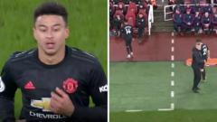 Indosport - Ole Gunnar Solskjaer memarahi Jesse Lingard yang kerap kehilangan bola saat Manchester United berhadapan dengan Manchester City di Piala Liga Inggris.