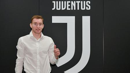 Raksasa sepak bola Serie A Liga Italia, Juventus, dikabarkan siap mendepak satu gelandang setelah mereka sukses merekrut pemain ini di Januari 2020. - INDOSPORT