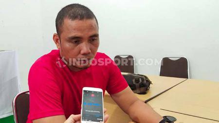 Sahari Gultom akan latih kiper Timnas Indonesia U-19 dalam sesi latihan virtual. - INDOSPORT