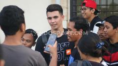 Indosport - Kiper baru Bali United, Nadeo Argawinata.