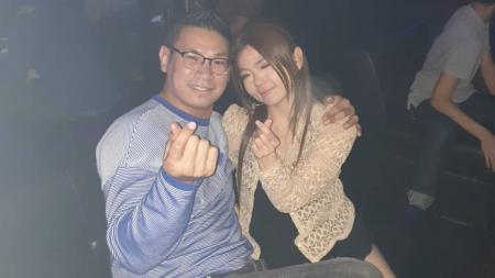 Petarung Mix Martial Arts (MMA) Indonesia, Rudy Gunawan alias Ahong membeberkan momen romantisnya bersama sang istri, Caroline. - INDOSPORT