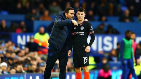 Pelatih dan bintang muda klub Liga Inggris, Chelsea, Frank Lampard (kiri) dan Mason Mount. - INDOSPORT