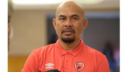 Asisten pelatih klub Liga 1 PSM Makassar, Herrie 'Jose ' Setyawan, menanggapi kehadiran sosok Nenad Bacina. Bacina menjadi asisten kelima pelatih kepala Bojan Hodak. - INDOSPORT