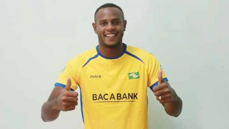 Pemain asal Brasil Joel Vinicius tengah melakukan seleksi di klub Liga 1, Persib Bandung. - INDOSPORT